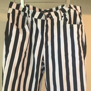 Daniel Jeans black and white size 17/18